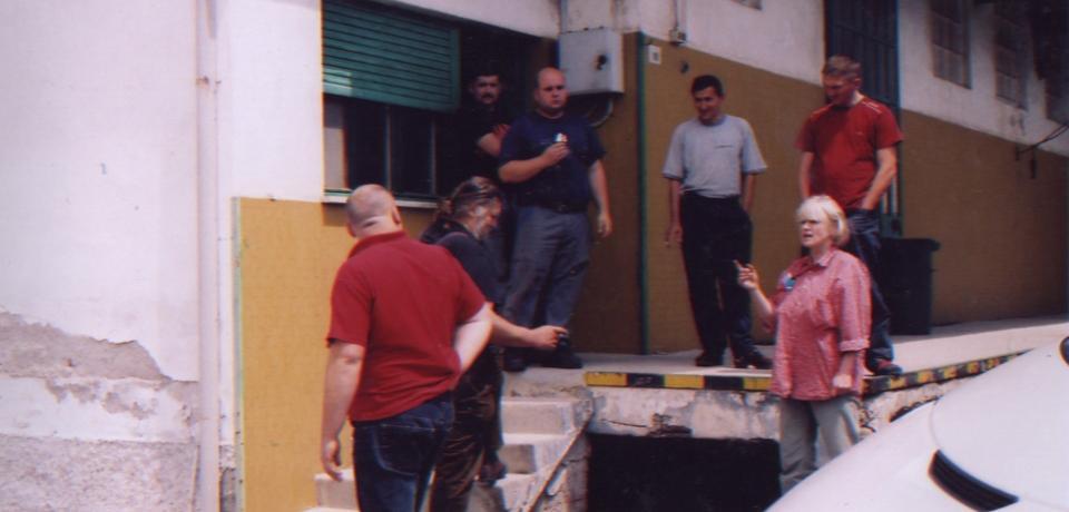 Engelhardt kontrolliert die Pferdeabladestation (Prosecco/Italien)
